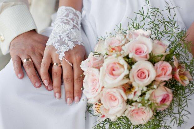 В колонии под Харьковом свадебный бум: сколько заключенных сменили наручники на фату