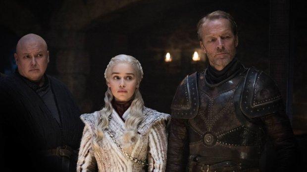 Заслуживает лучшего: фанаты Игры престолов свирепствуют и требуют переснять финальный сезон