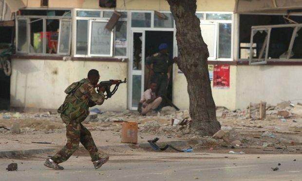 Работали чиновники: боевики взорвали переполненный отель, множество погибших