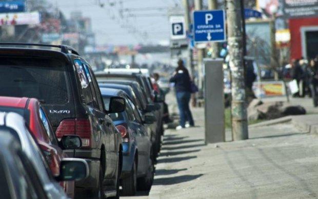 Неправильная парковка сильно ударит по карману водителей