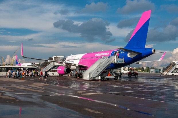 Лоукостер Wizz Air, фото - Цензор.НЕТ