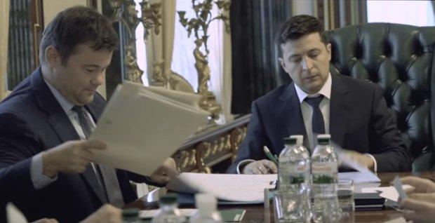 Зеленский подписал закон об отпусках украинцам, которые усыновили детей: подробности документа