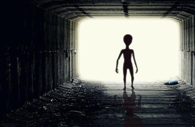 Встань і йди: прибульці зцілили невиліковно хвору дівчину