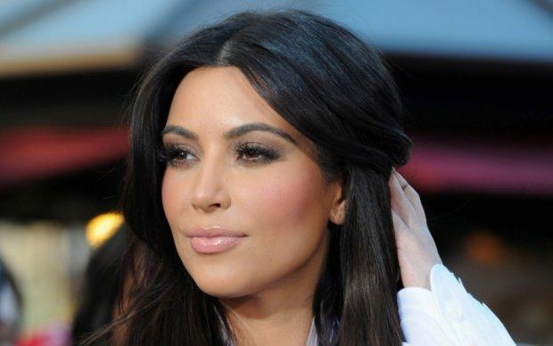 Ким Кардашьян неожиданно взрыхлилась, но в объектив еще влезает