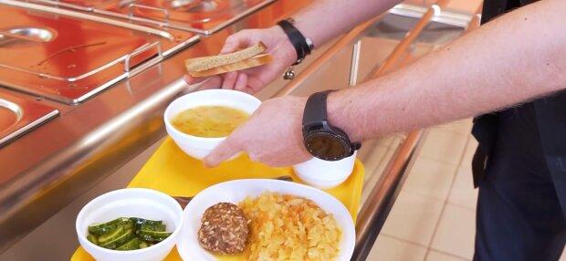 Школьная столовая, фото: скриншот из видео