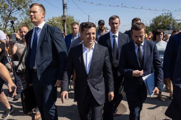Главное за ночь: авантюра Зеленского, подробности перемирия на Донбассе и позор Порошенко в Европарламенте