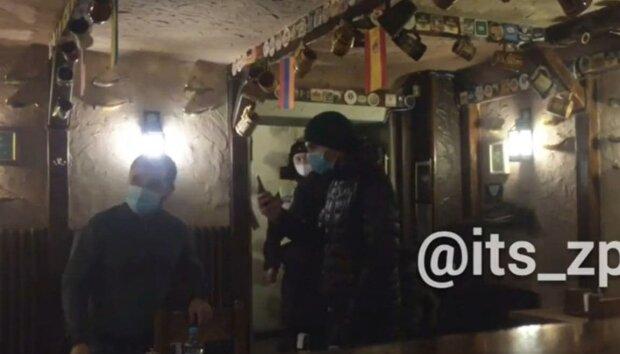 Конфликт в ресторане / скриншот из видео