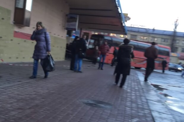 Заработки украинцев за границей существенно упадут, на кону миллиарды