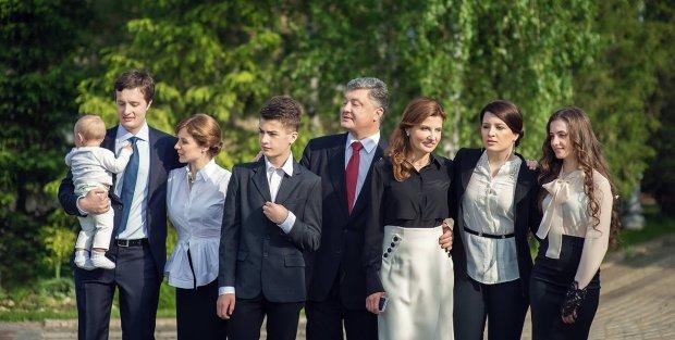 """Порошенко готовится к """"исчезновению"""": осталось совсем недолго, вместе с сыном"""