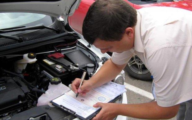 Листи нещастя: новий закон знатно потріпає нерви українським водіям