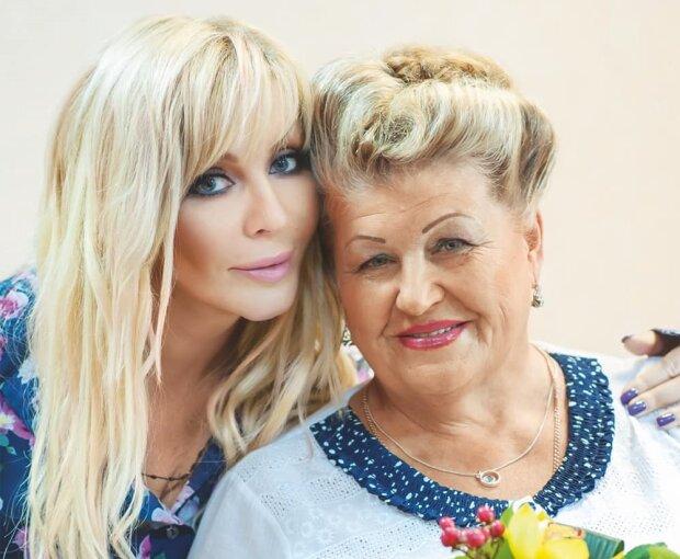 Ірина Білик з матір'ю, фото з Facebook