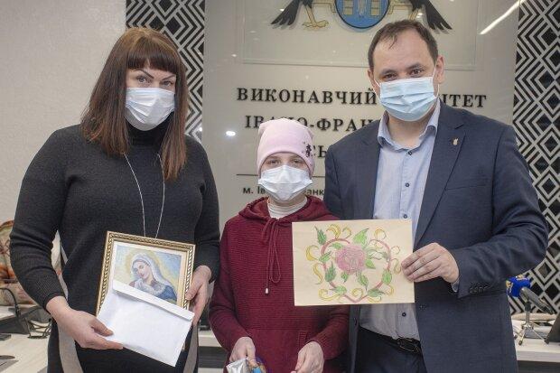 Во Франвске собрали деньги для больной девочки: Facebook Руслан Марцинкив