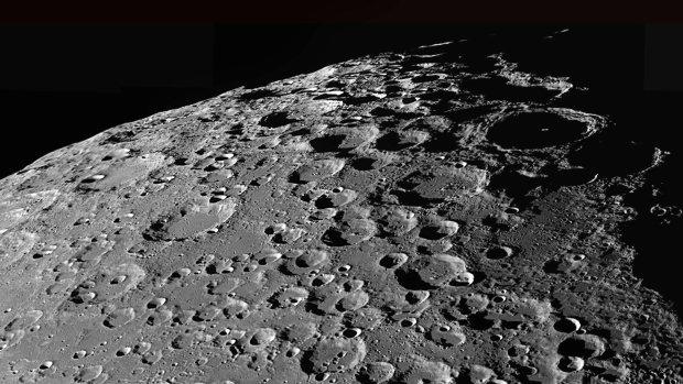 На поверхности Луны впервые обнаружили жидкое топливо для людей