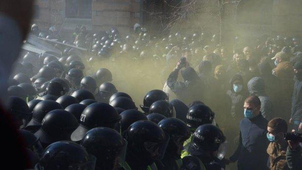 Столкновение в Черкассах: активисты Нацкорпуса массово пропадают без вести