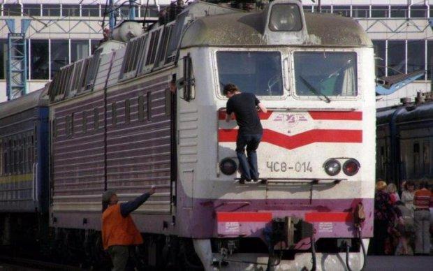 Омелян списав всі проблеми залізниці на українців