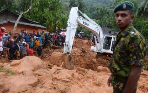 Шри-Ланка ушла под воду: жуткие кадры