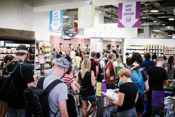 Поради для шопоголіків  як правильно купляти речі в Чорну п ятницю 798ec662388ca