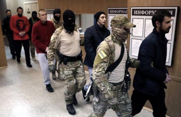 """В сети появилось мощное видео с пленным моряком Гриценко: """"Слава Украине, спасибо!"""""""