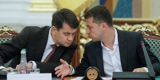 Владимир Зеленский и Дмитрий Разумков, скриншот: Youtube