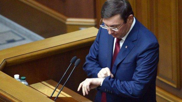 """Люди Зеленського проти СБУ: Луценко вирушає в """"світ кримінальних справ"""", хто займе місце генрокурора"""