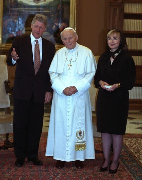 Білл та Хіларі Клінтон у Ватикані