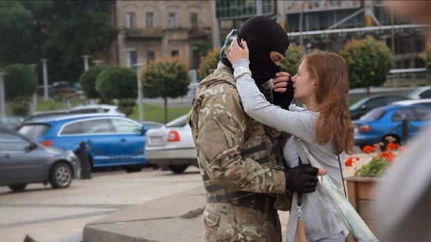 День Святого Валентина на Донбасі: три історії кохання, які сильніші за війну