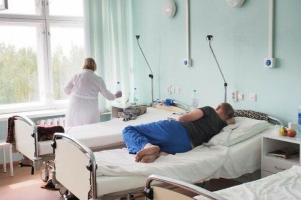 """На Винниччине пациенты психдиспансера подвергались жестоким пыткам: """"Грабили и морили голодом"""""""
