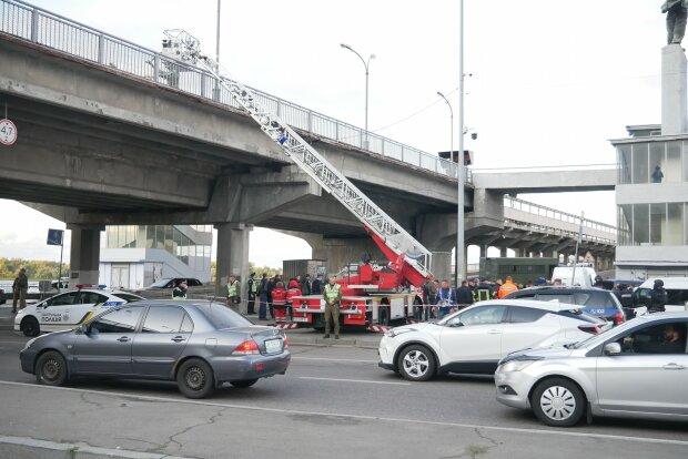 """Влада розсекретили мотиви і вимоги Белько, що замінував міст Метро: """"Ведеться підготовка"""""""