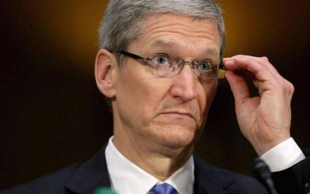 Apple внезапно сбросили с пьедестала