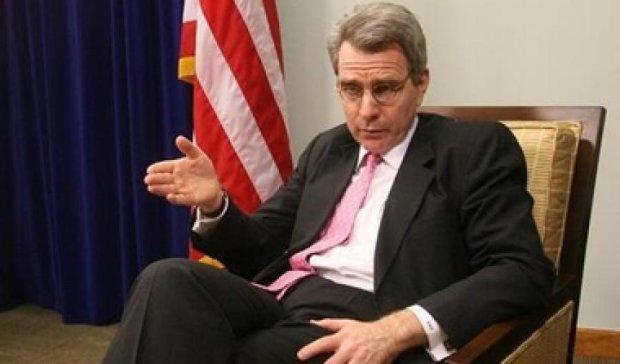 Корумповані українські судді зберегли свої посади - посол США