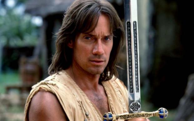 Домогательства в Голливуде: Геракл стал жертвой легендарного модельера
