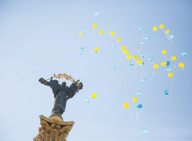 Венера и Марс соединятся ради Украины: астролог дала прогноз на День Независимости