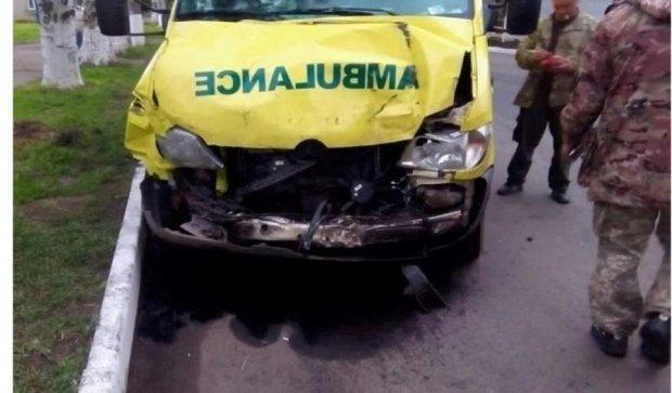 У Донецьку машина швидкої потрапила в ДТП