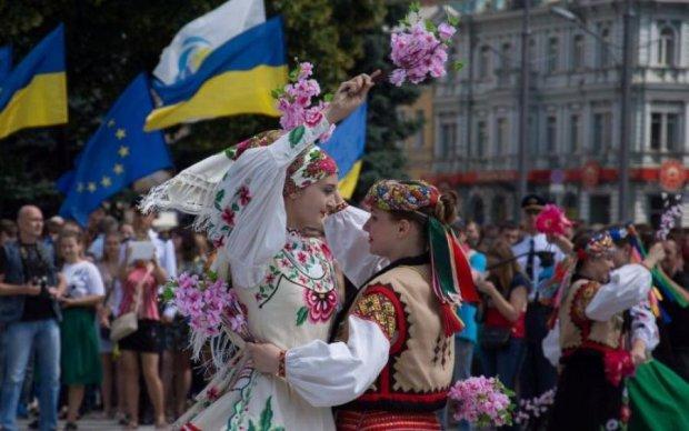 День Конституции 2018: когда и сколько будут праздновать украинцы