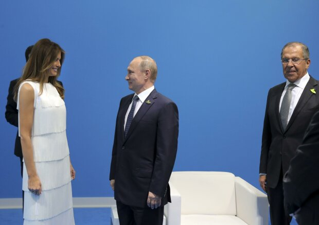 """Світ регоче з Путіна через """"першу леді"""", до Зеленського, Трампа і Макрона далеко: """"Погодьтеся..."""""""