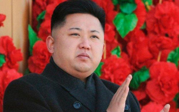 Безумный Ким: новая ракета КНДР пролетела 500 км