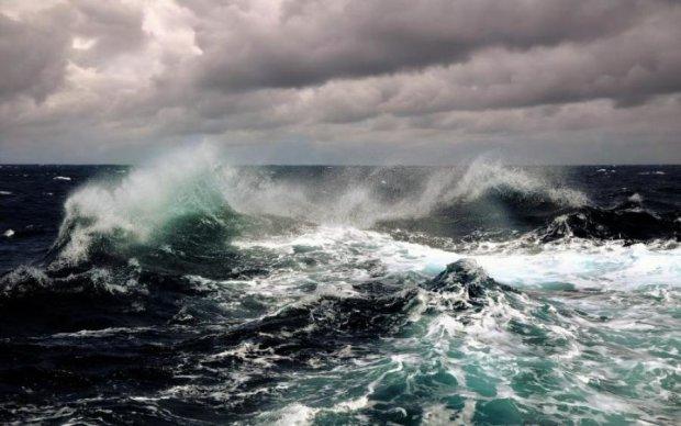 """Океан волнуется: ученые зафиксировали аномальный """"стон"""" под водой"""