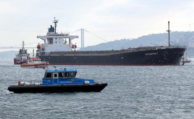 Захват украинского корабля в Египте: жизнь экипажа под угрозой, первые подробности