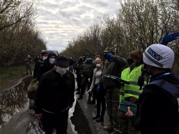 Обмен пленными на Донбассе: фото Офис президента