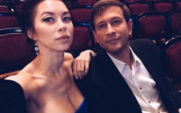 Дружина українського актора зняла з себе все: фото 18+