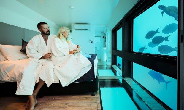 Рояль, сервизы и халаты: что воруют в отелях чаще всего, шокирующий рейтинг