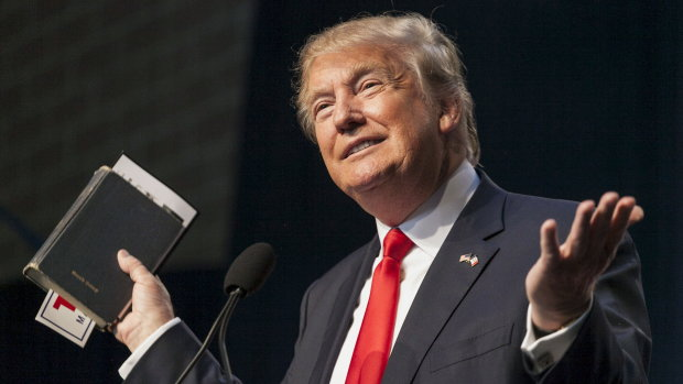 "Трампа показали без грима и ""корпоративной"" прически: похож на Путина"