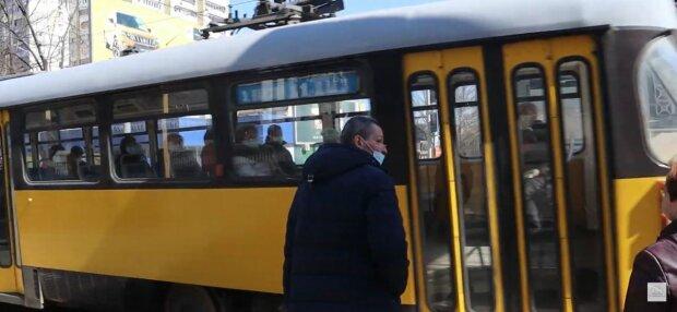 У Дніпрі школярів змусять платити за проїзд