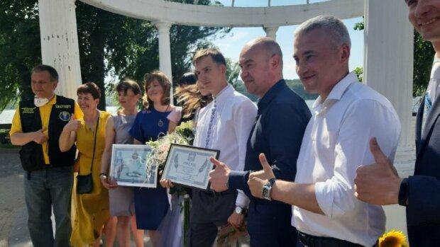 Молодята з Тернополя довишівалісь до рекорду України