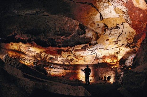Пещера Альтамира открыла ученым тайну древних людей: повсюду были руки