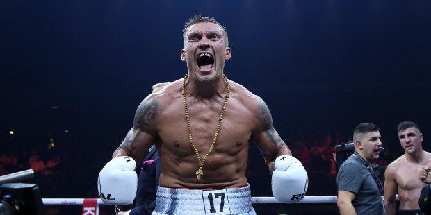Усик в Киеве встретился с легендой мирового бокса