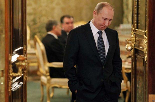 """Путін загубився в штанях на очах у тисяч росіян: """"Аж шкода Кабаєву"""""""