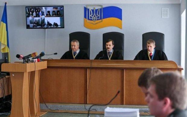 Справа Януковича: суд ухвалив несподіване рішення