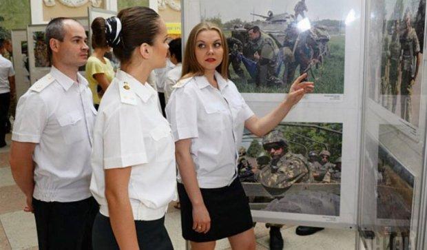 В Одессе открылась выставка «Возвращайся живым»