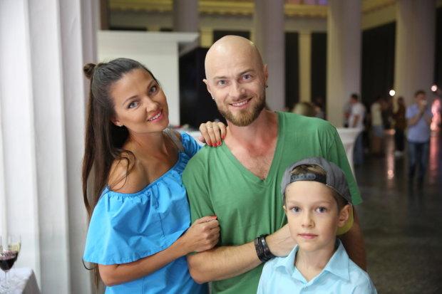 Розкішна дружина Ями похвалилася яскравим фото з райського курорту: позаздрить кожен